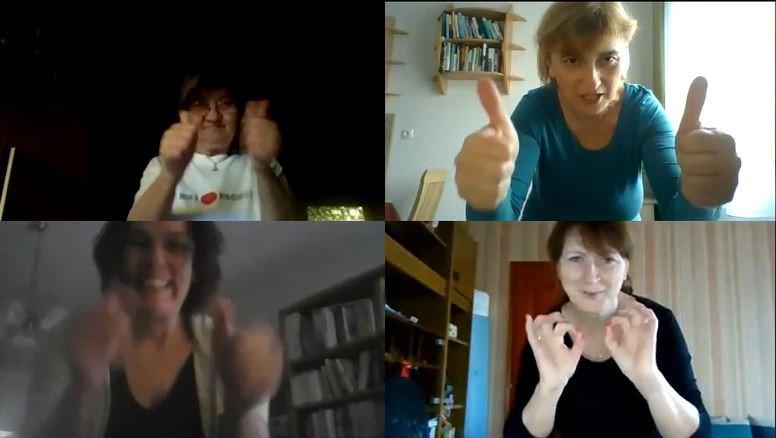 4 képernyőképen  4 nő oké jelet mutat